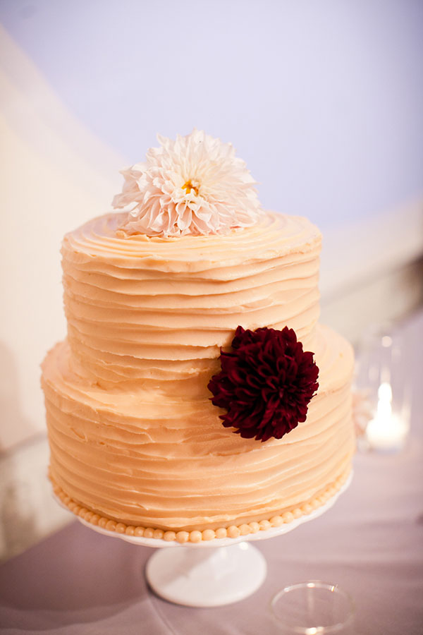 Peach textured wedding cake for a fall San Francisco wedding at Terra by Destination wedding planner, Mango Muse Events creator of Passport to Joy