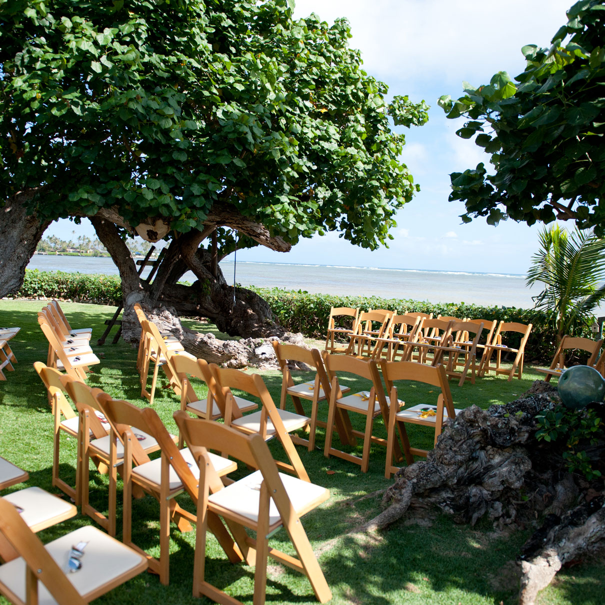 How To Have A Beautiful Wedding With A Small Wedding Budget
